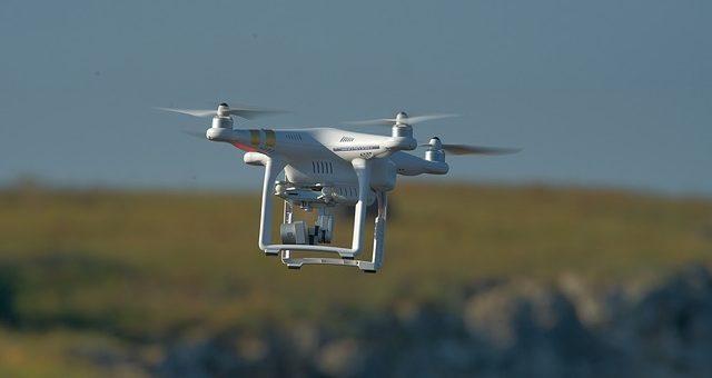 Czy filmowanie dronem jest bezpieczne?