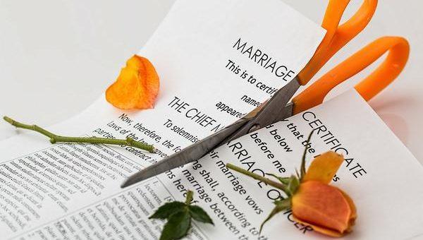 Prawne zakończenie związku wymaga rozwodu