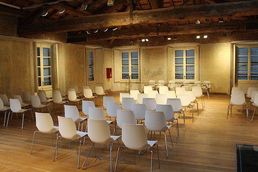 Nagłośnienie, oświetlenie sali i wynajem sprzętu na konferencje