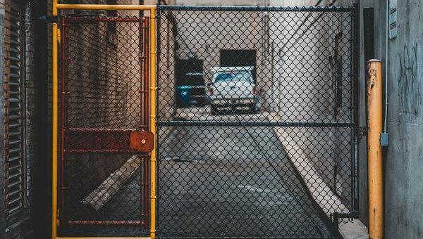 Inwestuję w nową bramę garażową