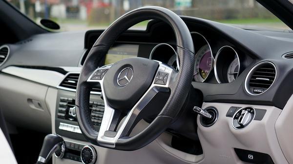 Co ma wpływ na wybór ubezpieczenia samochodu?