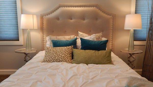 Jak dopasować materac do łóżka?