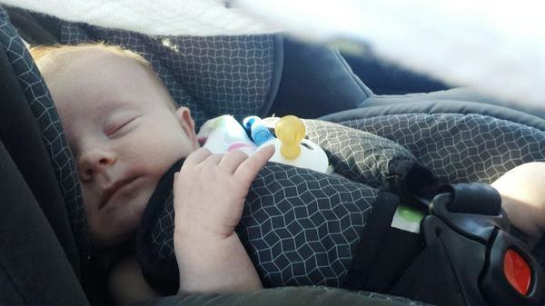 Bezpieczny fotelik samochodowy dla dzieci