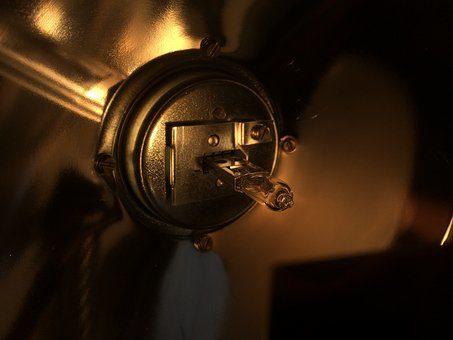 Montaż transformatora dla systemu oświetleniowego