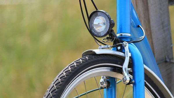 Wybór wodoodpornego oświetlenia na rower