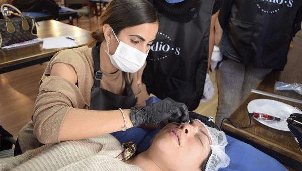 Wykonanie makijażu permanentnego