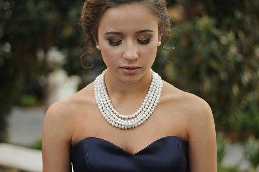 Naszyjniki wykonane z pereł