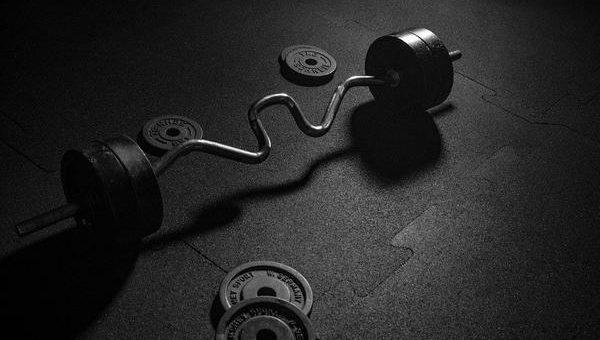 Mocna podłoga w siłowni
