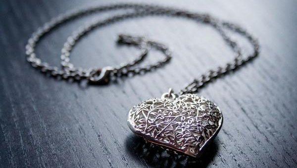 Elegancka srebrna biżuteria dla wytwornych kobiet