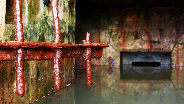 Kto powinien oczyszczać zbiorniki na ścieki?