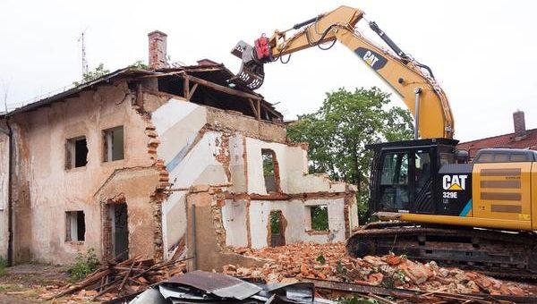 Jak wyburzyć budynek?