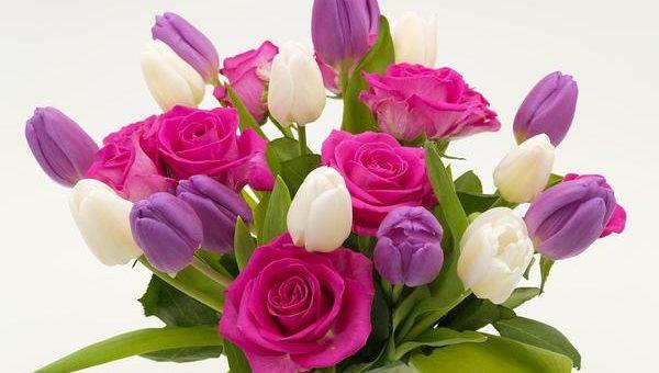 Oferta sztucznych kwiatów z hurtowni